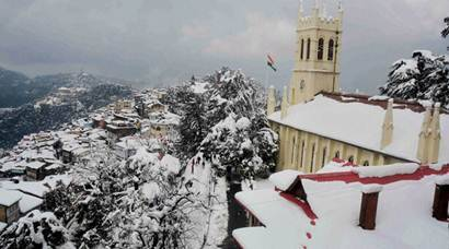 Heavy snowfall in Shimla paralyses normal life