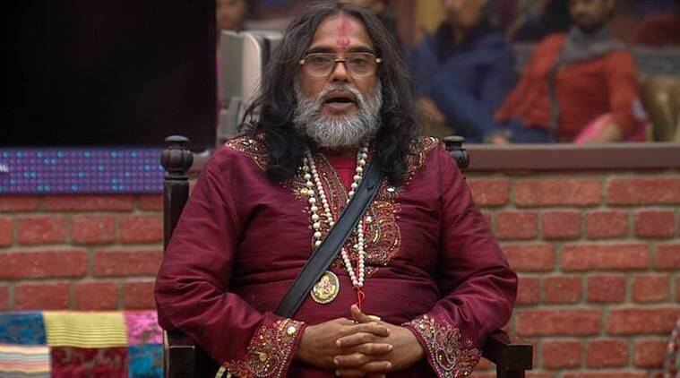 Bigg boss 10, swami om bigg boss, swami om fights in bigg boss, swami om crossed limits, swami om pee, swami om bani mother, swami om rohan parents, swami om monalisa, swami om lopamudra, swami om deepika padukone, swami om disgusting acts, swami om disgust, swami om shameful acts, swami om dirty acts, swami om news, swami om updates, bigg boss 10 news, bigg boss 10 updates, television news, television updates, indian express news, indian express