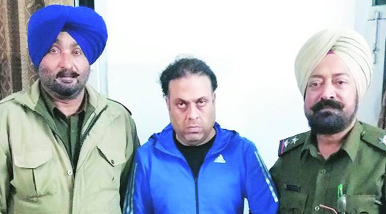 Chandigarh theft, Chandigarh thief caught, mobile app helps catching thieves, theft at house, robbery, indian express news