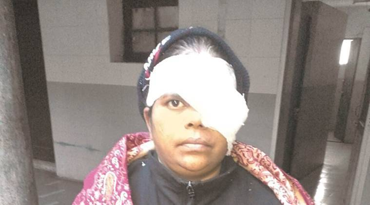 Ward helper injured in Delhi, Hindu Rao Hospital risks,Seema Sharma, Ward Helpers in Delhi, India news, Latest news, National news,