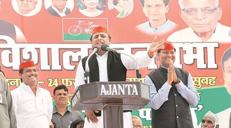Uttar pradesh assembly elections 2017, UP polls, Up elections, Akhilesh Yadav, Uttar pradesh, UP CM, narendra Modi, Modi, Akhilesh Modi, Akhilesh yadav on PM Modi, Khajanchi' house, Khajanchi' house debate, akhilesh yadav Khajanchi' house, BJP, samajwadi party, modi kabristan remark, up news, india news, indian epxress news