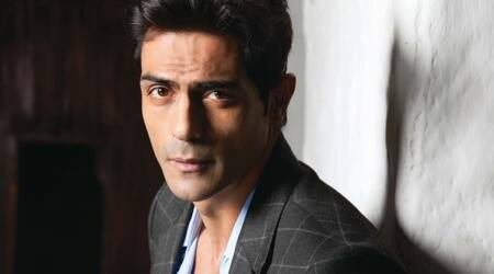 Arjun Rampal booked for smoking in public inJharkhand