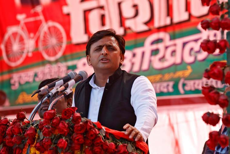 Samajwadi Party (SP) president and chief minister of the northern state of Uttar Pradesh Akhilesh Yadav addresses an election campaign rally in Sultanpur, India January 24, 2017. REUTERS/Pawan Kumar