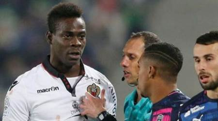 Nice hold on to beat Lorient despite Balotelli's red card