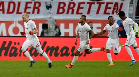 Bayern Munich win as title rivals drop points