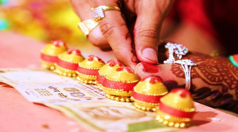 extravagant weddings, Jammu and Kashmir marriages order, Jammu and Kashmir weddings cap, J&K weddings, expenditure of marriage capped, Govt caps marriage spending, Govt caps wedding guests, food, show of wealth marriage, India news