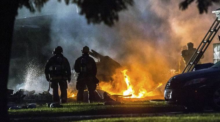 California 4 Dead 2 Injured As Plane Crashes Into Homes Sparking