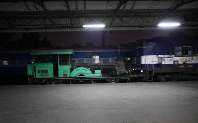 steam locomotive, oldest steam locomotive, oldest steam locomotive delhi, delhi cantonment, delhi cantonment steam locomotive, delhi cantonment rewari, oldest steam locomotive restored