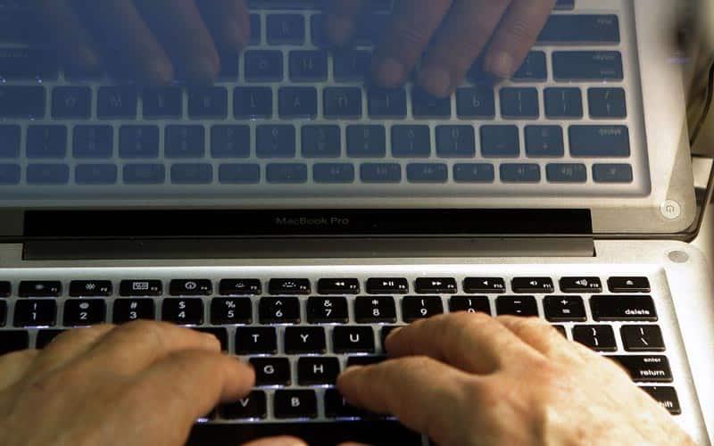 Torrents, Torrents websites, Google, Google bans Torrents, Torrents Search engine, Search engines, Torrents UK, Torrents banned, Copyright, Online piracy