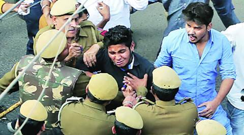 Ramjas Protest: Cops removed badges before beating students