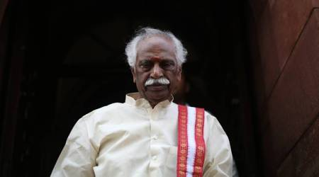 "Bandaru Dattatreya asks white paper on Telangana govt's ""failed"" TS 2 BHK scheme"