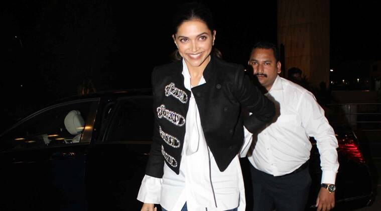 Deepika Padukone is the queen of casual chic too. (Source: Varinder Chawla)