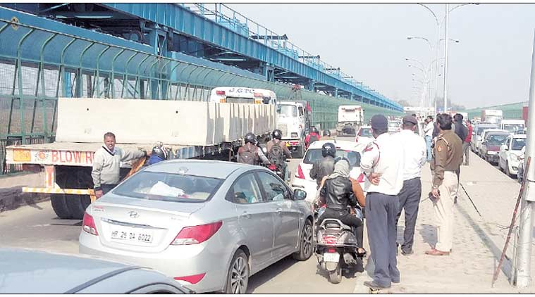 delhi, delhi traffic, traffic violators, delhi traffic violators, delhi traffic rules, traffic rules, delhi chhallan, delhi traffic chhallan, delhi police, indian express news, india news, delhi news
