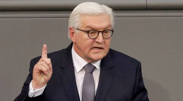 Berlin : Newly elected German President Frank-Walter Steinmeier delivers a speech when a German parliamentary assembly came together to elect the country's new president in Berlin, Germany, Sunday, Feb. 12, 2017. AP/PTI(AP2_12_2017_000203B)