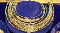 Telangana CM K Chandrasekhar Rao makes another hefty gold offering to the gods