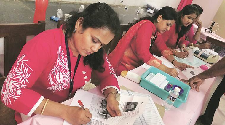 Goa elections, Goa polls, record turnout in Goa, 83 per cent in Goa polling, Manohar Parrikar Chief Electoral Office, EVM machines, Goa news, India news, Indian Express