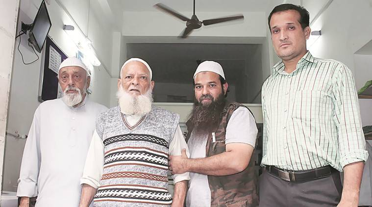 Mohammed Yasin,Mohammed Yasin family,Hanif, Hanifarrested-terrorism, terror charges against Hanif arrested, 2002 anti-Muslim riots, India news, Indian Express