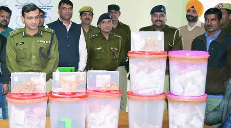 Gurgaon, Gurgaon smuggling, Gurgaon gold smuggling, gold smuggling, Gurgaon gold heist, delhi news