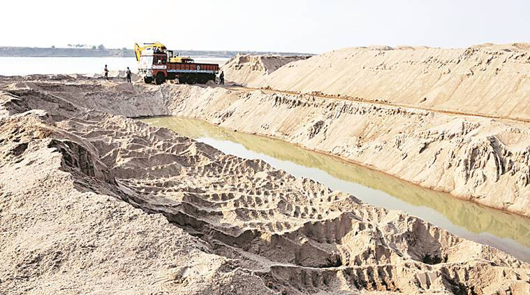 On February 7, The Indian Express highlighted illegal sand mining on the Godavari riverbed. Deepak Daware