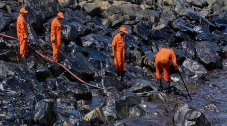 Oil spill: TN Govt begins disbursal of compensation to fishermen
