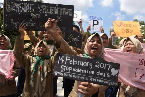 Happy Valentine's Day 2017: Here's how the world is celebrating love, see pics