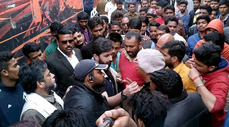 padmavati shoot, attack on sanjay leela bhansali, SRKS, karni sena, Shri Rajput Karni Sena, india news, latest news