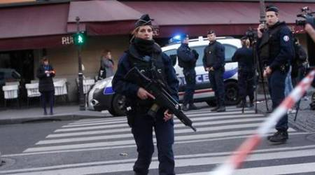 Paris: Soldier shoots armed man trying to enter famed Louvre Museum