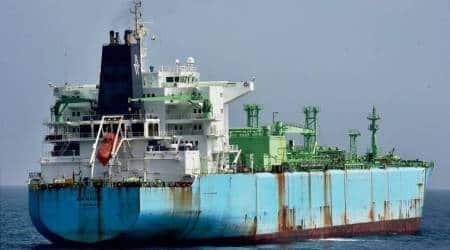 chennai oil spill, oil spill, chennai, chennai oil spill port, chennai ship collide, chennai ship collision, Kamarajar port, Ennore oil spill, indian express news, india news