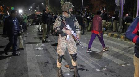 Suicide bomber attacks Pakistan paramilitary force, 2 killed