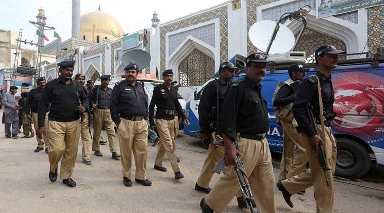 Pakistan, sehwan blast, pakistan shrine bomb explosion, ISIS, islamic state, pakistan militant crackdown, Lal Shahbaz Qalandar, Pakistan blast, Pakistan blast, Pakistan sufi shrine blast, Pakistan attack