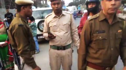 police, delhi police, police in india, police kolkata, kolkata police, traffic police india, police snatch awy keys for no reason, facebook post, partha p boruah, indian express, india express news, trending, trending in india
