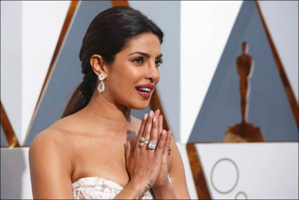 Presenter Priyanka Chopra arrives at the 88th Academy Awards in Hollywood, California February 28, 2016. REUTERS/Adrees Latif