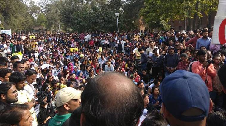 du protest, ramjas row, ramjas protest live, DU protest live updates, DU protest live, khalsa college live, du student protest updates, news, delhi university, latest news, du protest today, delhi university protest march, delhi university violence, protest against abvp, du nationalism, du free speech, du fights back, ramjas, ramjas violence, ABVP, ABVP violence, gurmehar kaur, indian express news, india news, delhi news, ramjas violence updates