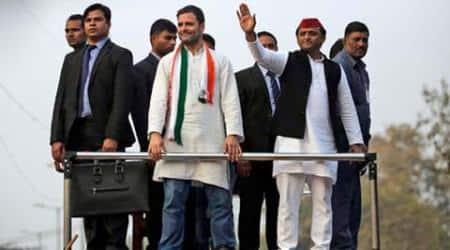 Rahul Gandhi, Akhilesh Yadav, Rahul-Akhilesh road show, Rahul-Akhilesh road show in Agra, Agra Akhilesh-Rahul road show, SP-Congress alliance, UP elections, indian express news