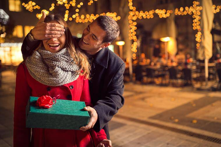 Romantic surprise for your loved one. (Source: Thinkstock Images)