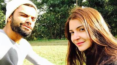 Can't afford to miss latest Virat Kohli-Anushka Sharma selfies