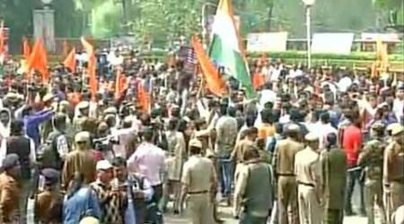 ABVP protest highlights: With chants of 'Bharat Mata Ki Jai', protesters say 'shoot anti-nationals'