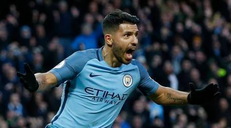 Sergio Aguero extends Manchester City contract to 2021
