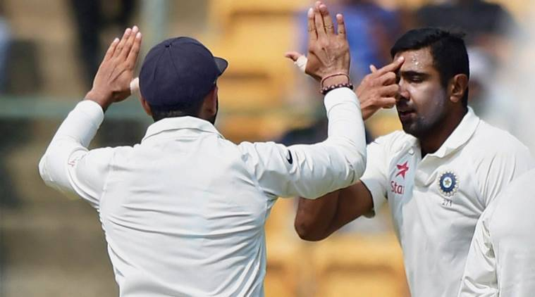 india vs australia, ind vs aus, india vs aus, india vs australia 2nd test, bangalore test, ashwin, starc, cricket news, cricket