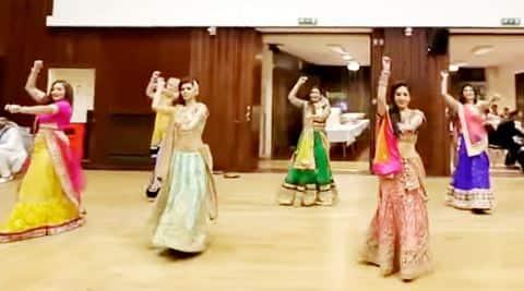 bride dancing video, viral sangeet video, marathon sangeet video, big fat indian wedding, viral wedding video, indian express, indian express news