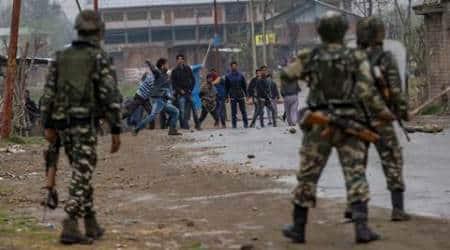 Kashmir news, Kashmir Mobile phones seized in sub-jail, Mobile Phones od inmates seized by asuthorities, Kashmri Jail mobile phones Seized, Kashmir news, Imates use mobile phones to Talk to Pakistanis, India news, National news, world news