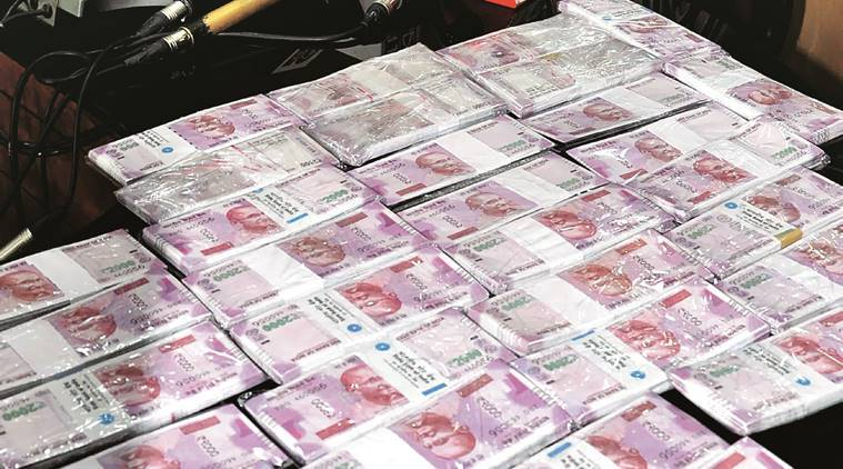 demonetised notes, five arrested with old currency, demonetisation arrest, post demonetisation arrrest, Specified Bank Notes, Reserve Bank of India (RBI), indian express news