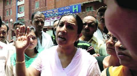 Former Delhi Mayor Rajni Abbi duped of Rs 1.59lakh