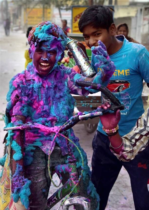 holi, happy holi, vrindavan holi, holi 2017, happy holi 2017, holi colours, holi photos, holi significance, holi celebrations, indian express, indian express news