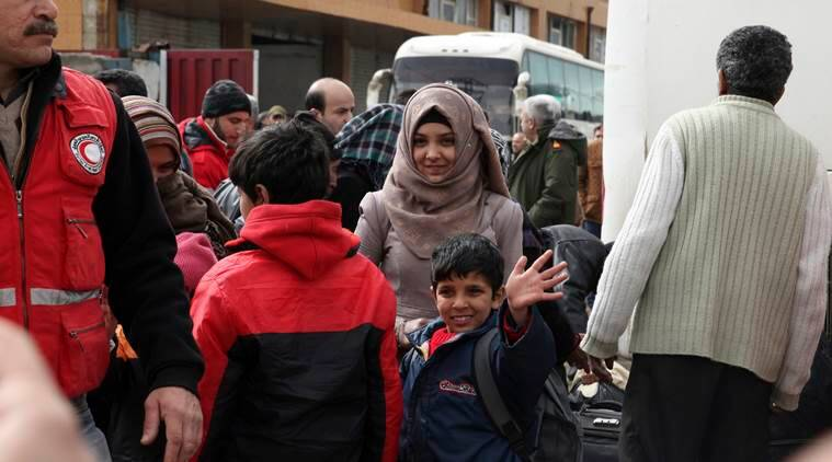 Syria's war : Forced evacuations begin in Al Waer