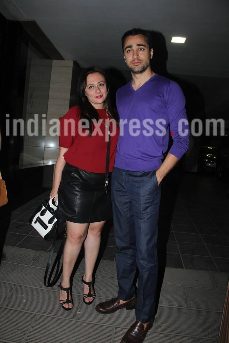 Aamir Khan, Aamir Khan Birthday, Aamir Khan 52nd Birthday, Shah Rukh Khan wished Aamir Khan on his bday, who wished aamir khan on his birthday, Aamir khan and shah rukh khan meet, aamir khan and shah rukh pictures, aamir khan and shah rukh khan updates,
