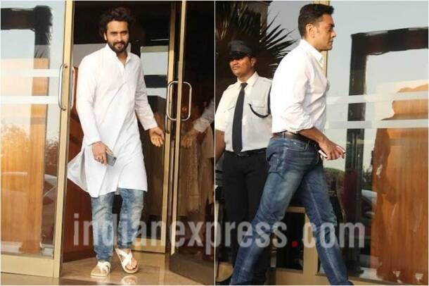 aishwarya rai father prayer meet, Jackky Bhagnani, bobby deol, aishwarya father prayer meet images