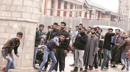 Budgam, Budgam encounter, Budgam operation, Jammu gun battle, Mehbooba Mufti, 3 dead in encounter, Budgam stone pelting, stone pelting, Mehbooba Mufti, India news, Indian express