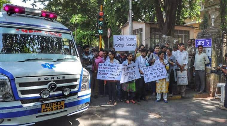 Mumbai, Mumbai doctor strike, doctor strike Mumbai, Bombay HC doctor strike, doctor strike Bombay HC, Maharashtra doctor strike, MARD strike, AIIMS joins strike, Delhi doctors strike, India news