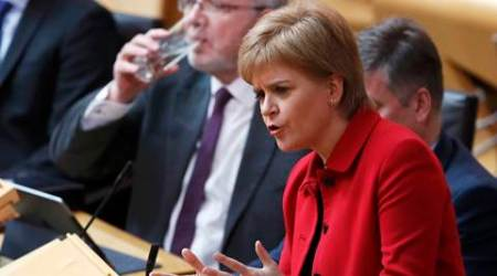 Scottish lawmakers back independence referendum call